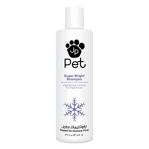 Developed for light and dark colored coats - fortified with hydrolyzed oats, chamomile and sweet almond oil, it cleans thoroughly and rinses easily